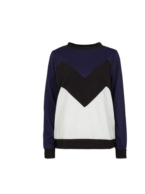 "<p>Production Editor Fern Ross is using the recent cold snap as an excuse for a new jumper - every cloud has a silver lining!</p><p><a href=""http://femalefirst.dk/en/clear-sweat?color=Blue&siz"">Second Female</a> sweatshirt, £66</p>"