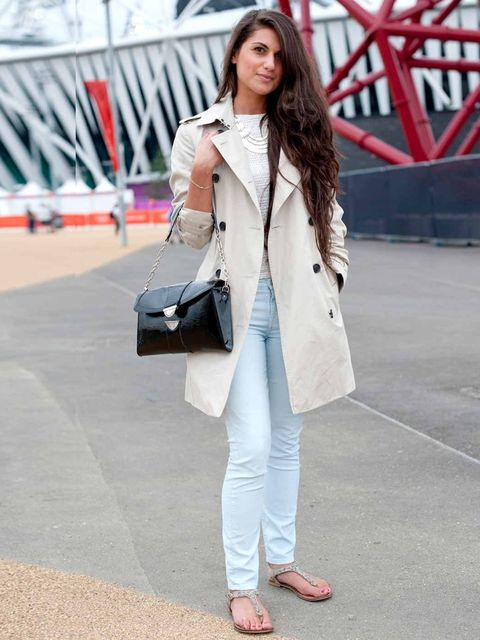 <p>Samantha Davis, 23, Jewellery DesignerBurberry jacket, Maje top, Seven jeans, Steve Madden sandals, Louis Vuitton bag, own design necklace.</p>
