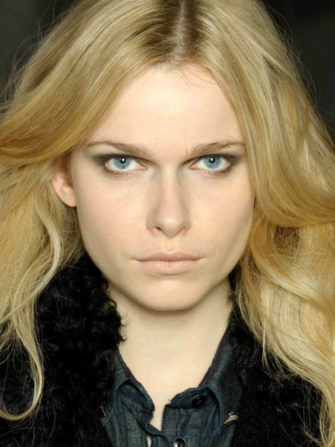 <p>Here on the ELLE Beauty desk we like to follow the well-known mantra: 'You are what you eat', and surely that extends to what your drink as well.</p><p>That's why we're loving the latest trend for salons offeri