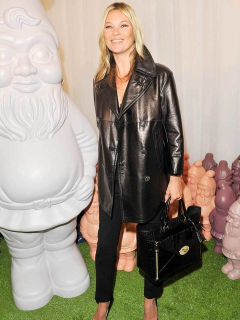 <p>Kate Moss carrying the Mulberry Willow</p>