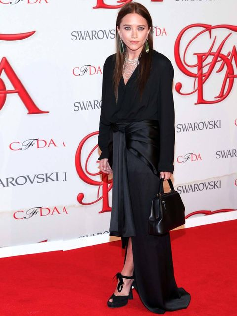 <p>Mary-Kate Olsen wears The Row to the CFDA awards in New York, June 2012.</p>