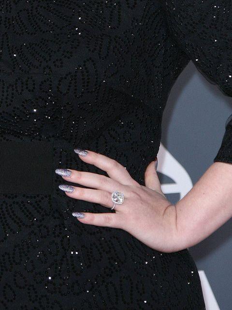 <p>Adele's glitter polish at the 2012 Grammy Awards</p>