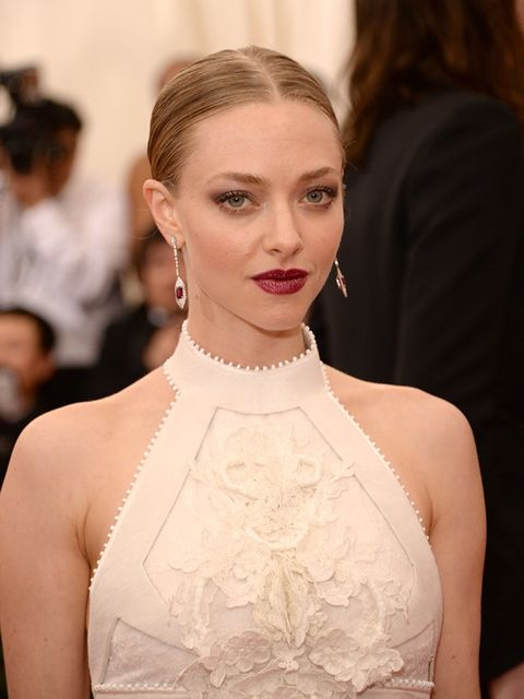 <p>Amanda Seyfried is a keen knitter. She showcased her skills on <em>The Ellen DeGeneras Show</em>, when she handed over a sparkly hat she'd made for the host.</p>