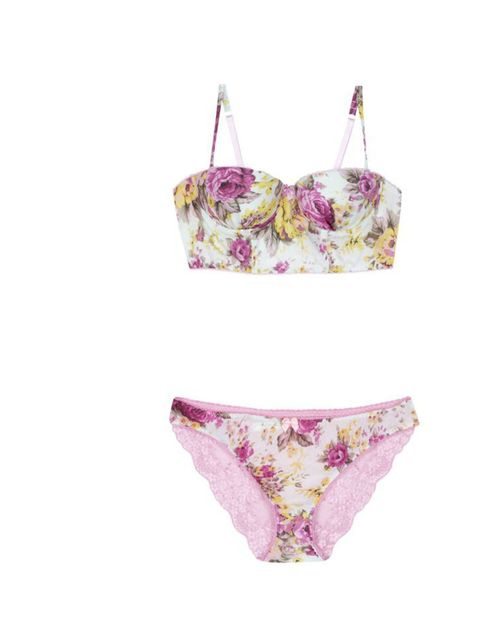 "<p><a href=""http://www.newlook.com/shop/womens/lingerie_420110"">New Look</a> floral bra, £14.99, and briefs, £5.99</p>"