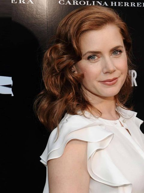 """<p><strong>Tsunami Waves: Jonathon Saunders vs Amy Adams </strong></p><p><a href=""""http://www.elleuk.com/elle-tv/cover-stars/elle-magazine/amy-adams-elle-behind-the-cover-video2""""></a></p><p>Amy Adams' tumbling waves take inspiration from Jonathon Saunders"""