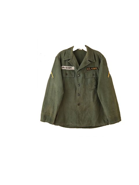 """<p><a href=""""http://www.freepeople.com/vintage-military-cargo-jacket/_/searchString/army%20jacket/QUERYID/502245b0575c1f32e30000a9/SEARCHPOSITION/1/CMCATEGORYID/683d4023-53f5-4900-b5ce-ecf465df31a9/STYLEID/25804758/productOptionIDs/D0DB1898-55CF-4067-B31B-"""