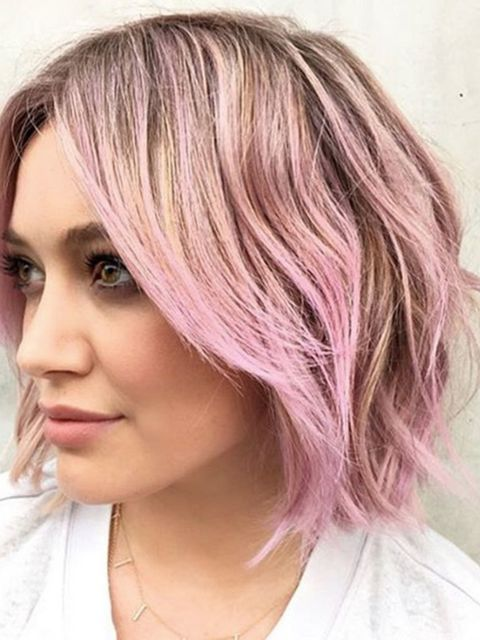 After cutting her hair into a bob in December, Hilary has now opted for candy floss pink to kick off 2016.