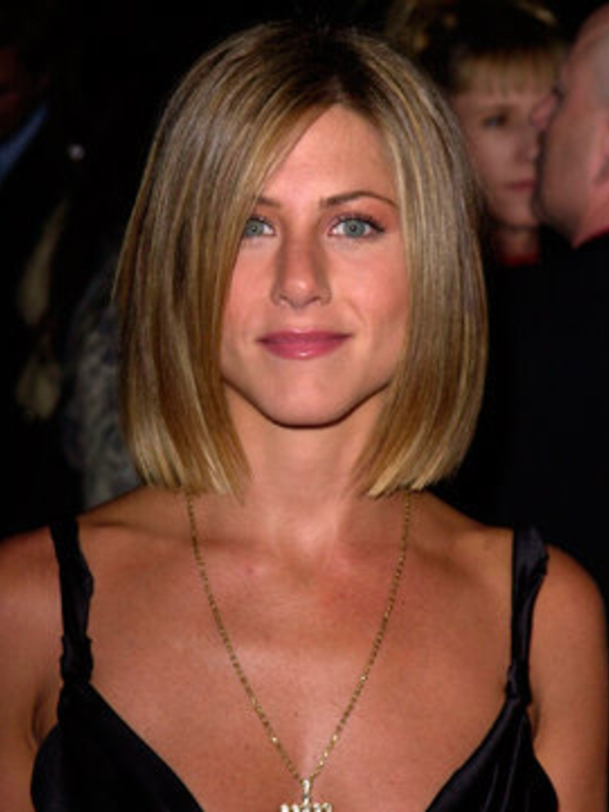 <p>Jennifer Aniston with a bob in 2001</p>