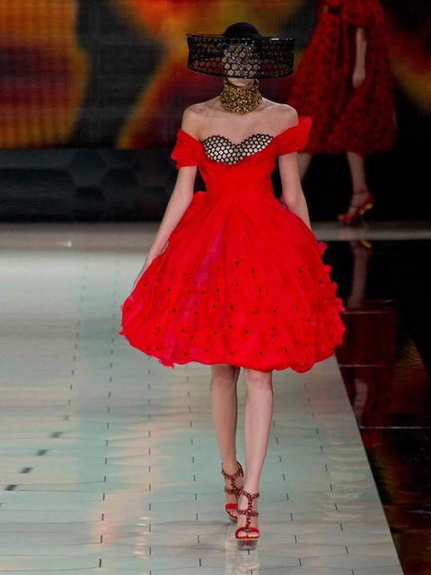 "<p><a href=""http://www.elleuk.com/catwalk/designer-a-z/alexander-mcqueen/spring-summer-2013"">Alexander Mcqueen</a> catwalk  Paris Fashion Week ss13</p>"