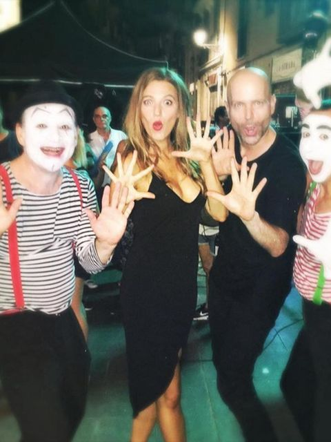'Who's the class clown now suckers?!?!?!! Oh... Still me. Hmm. Mmk. Nevermind #BestJobEver#CanCirqueDuSoleilPleaseSeeThisAndInviteMeToJoinPLEASE #YesIKnowTheyreMimes'