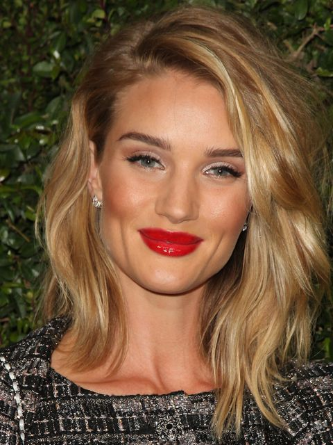 """<p><strong>Rosie Huntington-Whitely </strong><br /><span style=""""line-height:1.6""""><strong>Username: rosiehw </strong><br /><br />Why follow? Follow to discover Rosie's beauty secrets and see just what is involved in her daily make-up routine. Her snapc"""