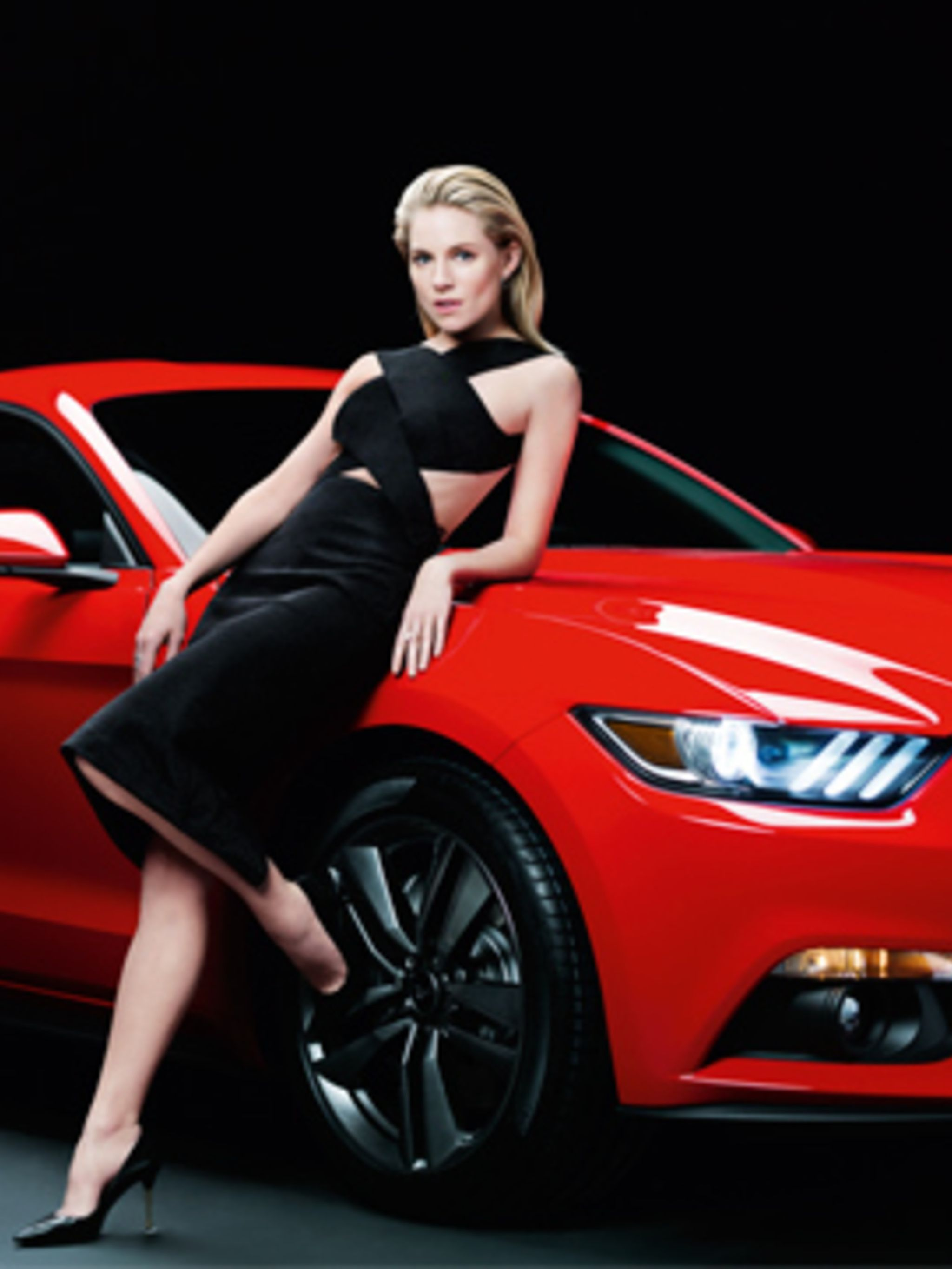 Rankin sienna and a ford mustang