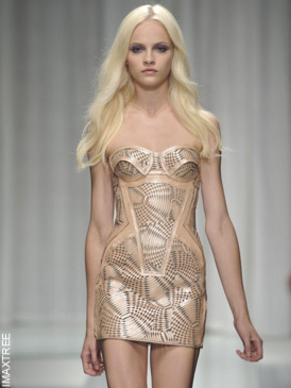 <p>Versace, spring/summer 2010, Milan</p>