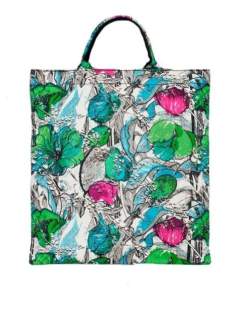 "<p>Vintage feeling florals..</p><p>Lightweight tote £19 by <a href=""http://www.stories.com/gb/Bags/All_bags/Fabric_Shopper/590765-2334645.1"">&OtherStories</a></p>"