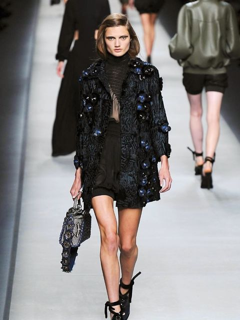 fendi-spring-summer-2016-look-3