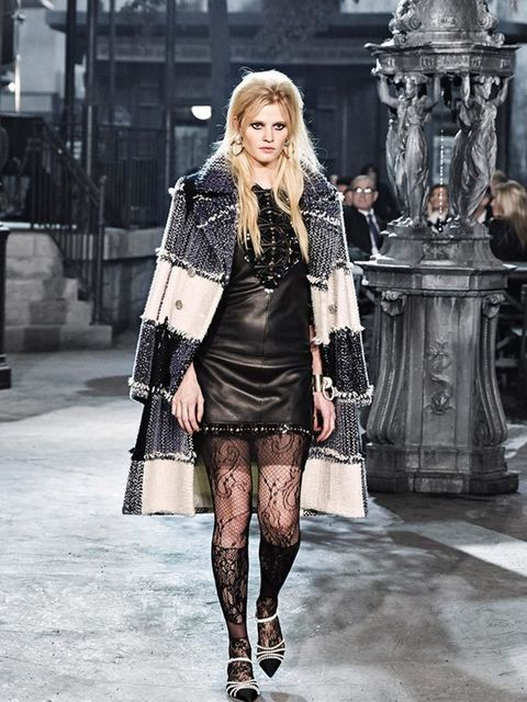chanel_paris_in_rome_2015-16_metiers_dart_gallery_02