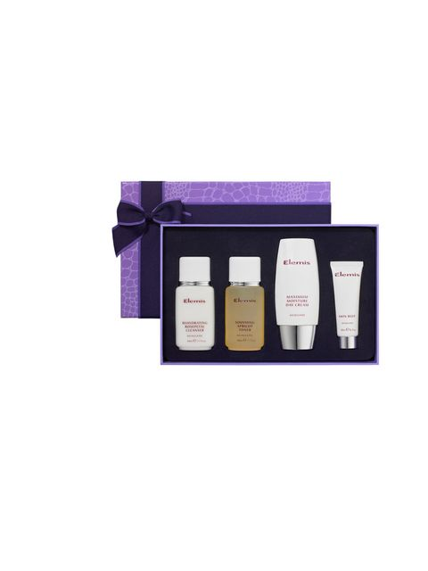 "<p><a href=""http://www.theukedit.com/elemis-skin-brilliance/10854060.html"">Elemis Skin Brilliance Set, £39.50</a> </p><p>Lucy Johnston, Digital Photo Assistant</p><p>'If I got this for Christmas I'd be a happy little bunny. In winter my skin suffers and g"