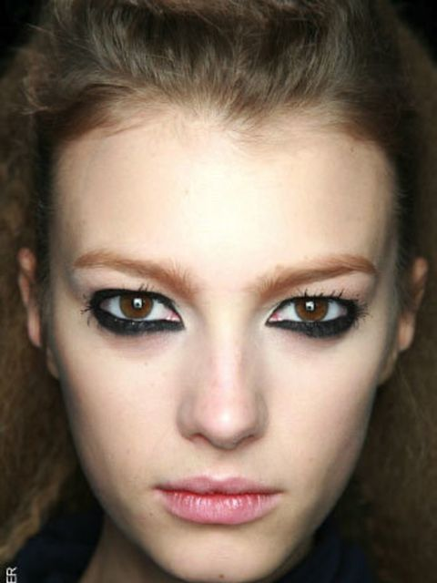 <p>This season, skin is still flawless and fresh but it has a more classic, sophisticated edge - it's no wonder powder has made a comeback. As well as investing in a great basic compact, experiment with the new powders that brighten and illuminate. Pale,
