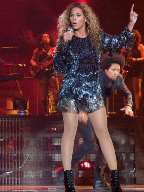"<p><a href=""http://www.elleuk.com/star-style/celebrity-style-files/beyonce"">Beyoncé</a> works an iridescent navy mini (on stage at Birmingham's LG Arena, no less).</p>"