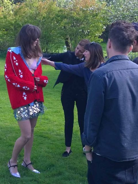 <p>ELLE fashion director Anne-Marie Curtis and creative director Suzanne Sykes make a minor adjustment.</p>
