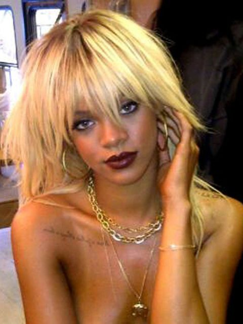 "<p>Do blondes really have more fun <a href=""http://www.elleuk.com/star-style/celebrity-style-files/rihanna""></a>?</p><p>? Rihanna <em> </em><a href=""https://twitter.com/""></a> #Back2Work 1st Cover of the year!!!! #ELLE</p>"