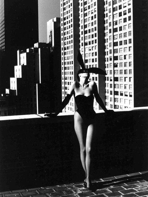 <p>Helmut Newton's famous photograph of the young Peretti</p>