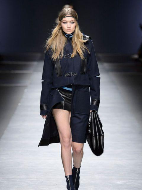 versace-aw16-milan-fashion-week-imaxtree-1
