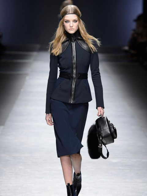 versace-aw16-milan-fashion-week-imaxtree-2