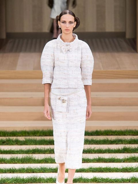 chanel_haute_couture_spring_summer_2016_collection_look_03