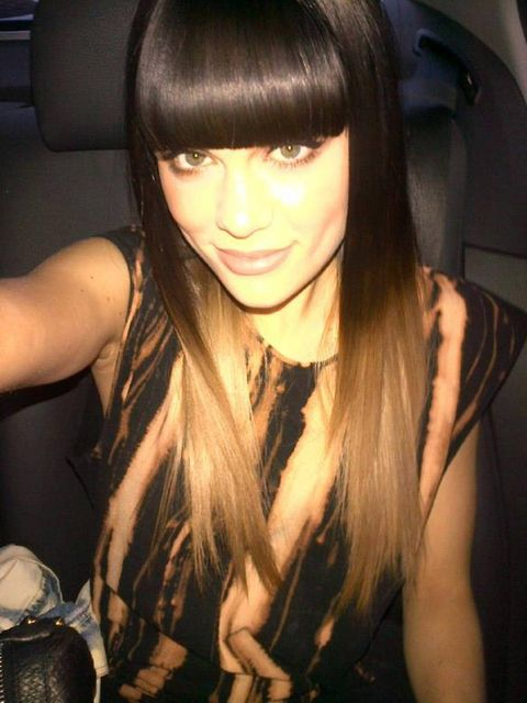 <p>Jessie tweets a picture of her new blonde hairstyle</p>