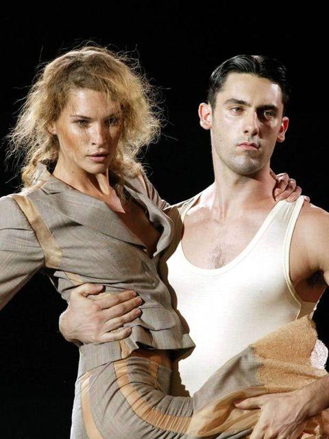 <p>Alexander McQueen, 2004</p>