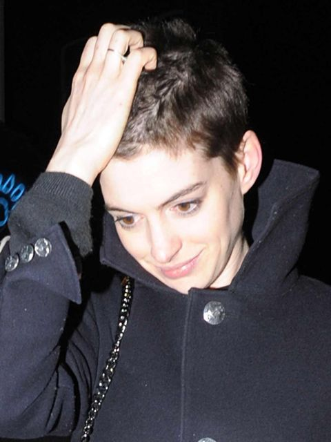 <p>Anne Hathaway with cropped hair</p>