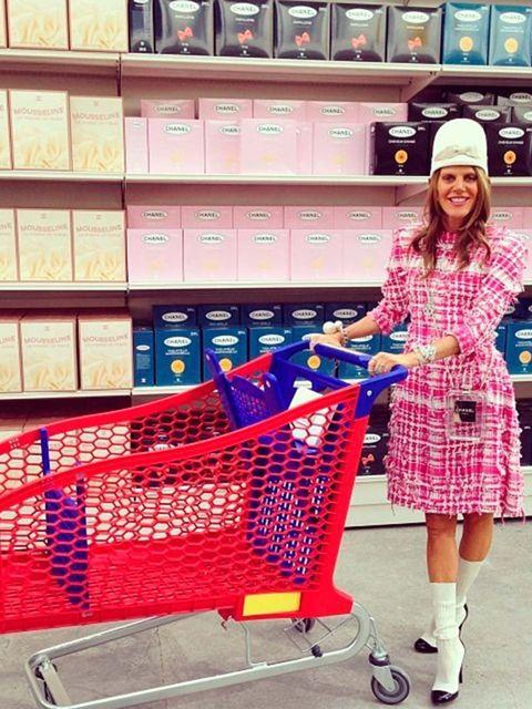 <p>Anna Dello Russo:'@chanelofficial #chanel #shoppingcenter #amazing #fun #joyful' </p>