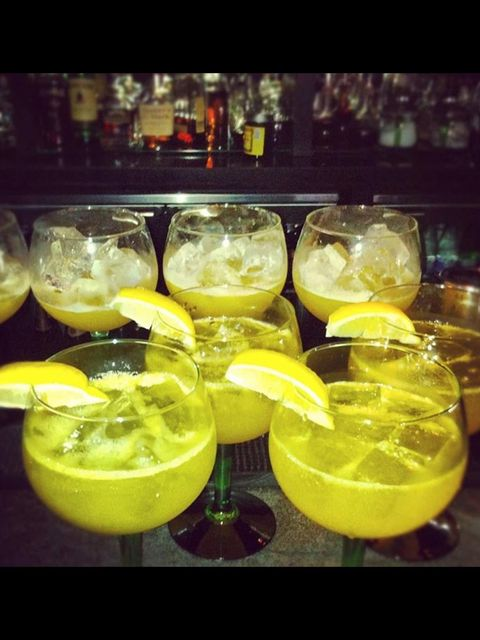 <p>Tanqueray Tom Collins cocktails at ELLE Sessions</p>