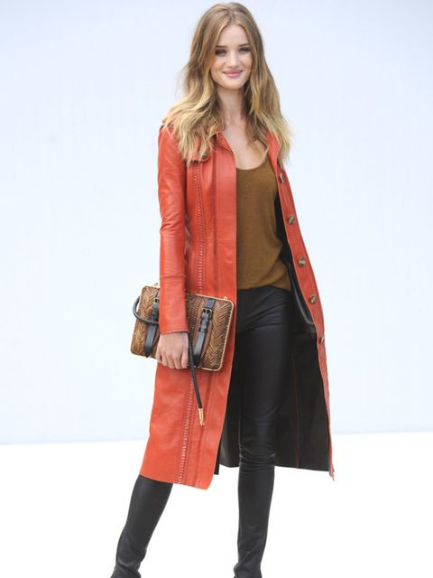 "<p><a href=""http://www.elleuk.com/starstyle/style-files/(section)/rosie-huntington-whiteley"">Rosie Huntington-Whiteley</a> carrying a covetable <a href=""http://www.elleuk.com/catwalk/collections/burberry-prorsum/"">Burbrerry Prorsum</a> clutch while in Lon"