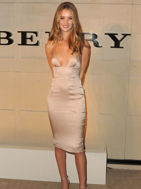 """<p><a href=""""http://www.elleuk.com/starstyle/style-files/(section)/rosie-huntington-whiteley"""">Rosie Huntington Whiteley</a> in top-to-toe <a href=""""http://www.elleuk.com/catwalk/collections/burberry-prorsum/"""">Burberry</a>, 26 October 2011</p>"""