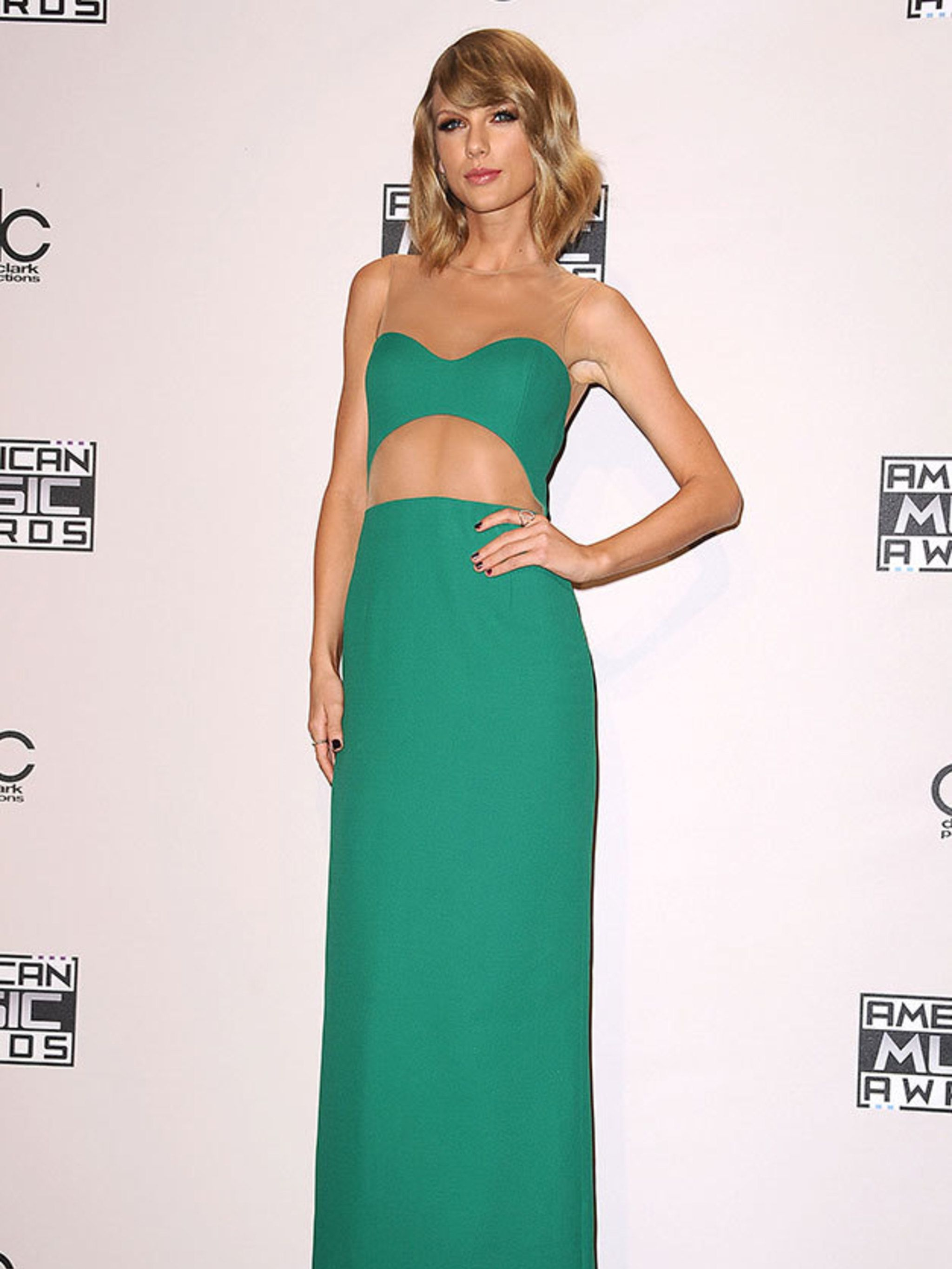 Taylor Swift\'s Style File - Every One Of Taylor Swift\'s Country Glam ...