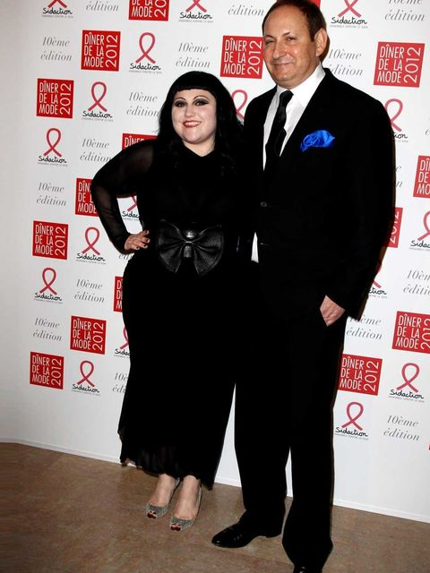 <p>Beth Ditto and John Demsey at the Gala Sidaction Dîner de la mode in Paris</p>