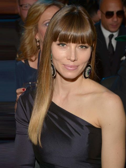 "<p>A champion for the <a href=""http://www.elleuk.com/star-style/celebrity-beauty/celeb-hair/full-fringes"">Full Fringe</a> movement, Jessica retains her perfectly polished crown with trademark shiny locks. Beautifully understated dusky pink lips and a peac"