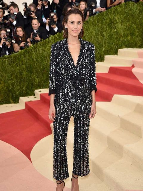 <p>Love the understated chic of this Thakoon look on Alexa Chung. Relaxed red carpet style. Nailed it.</p>