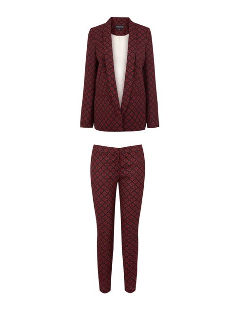 "<p>THE TROUSER SUIT</p><p>Warehouse printed blazer, £70, and trousers, £45</p><p><a href=""http://shopping.elleuk.com/browse?fts=warehouse+print+blazer"">BUY NOW</a></p>"