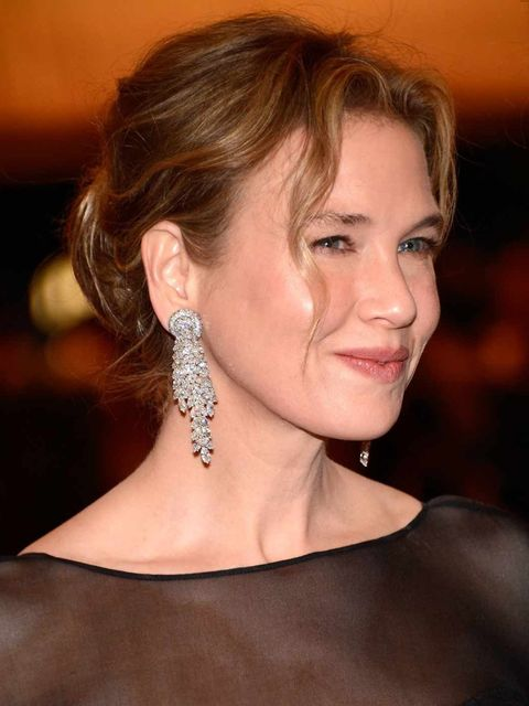<p>Renee Zellweger with dishevelled hair at the Met Ball 2012</p>
