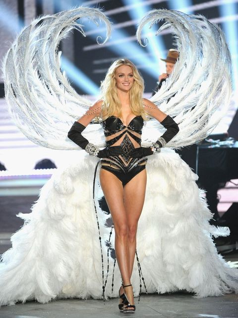 <p>Lindsay Ellingson modelling in the Victoria's Secret Fashion Show</p>