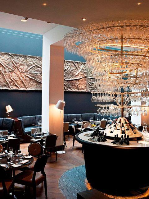 """<p><strong>FOOD: Avenue Restaurant</strong></p><p>Last week D&D's St James restaurant, <a href=""""http://www.avenue-restaurant.co.uk/"""">Avenue</a>, re-launched with not only a new Manhattan-loft l"""