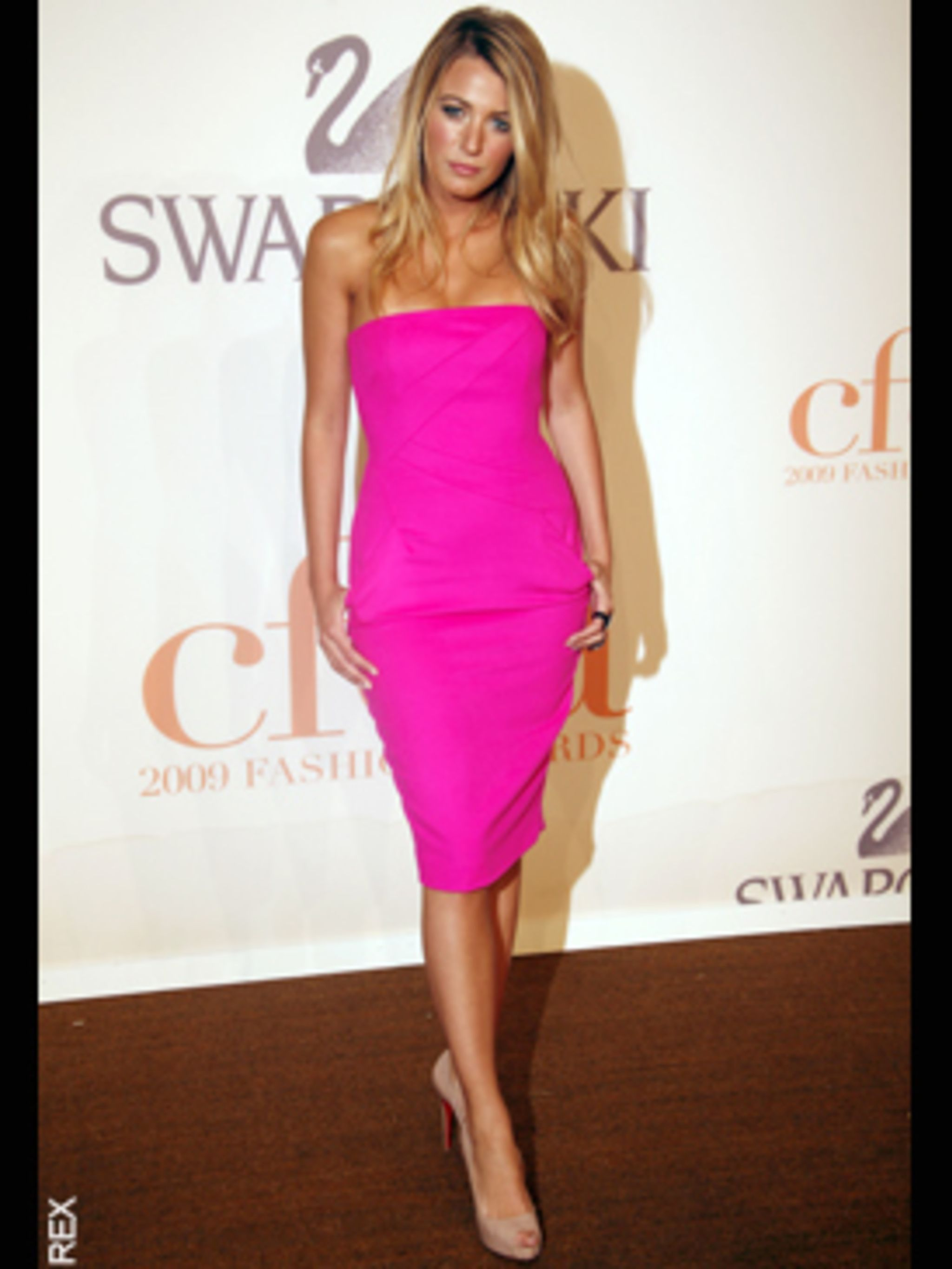 <p>Blake Lively in Michael Kors</p>