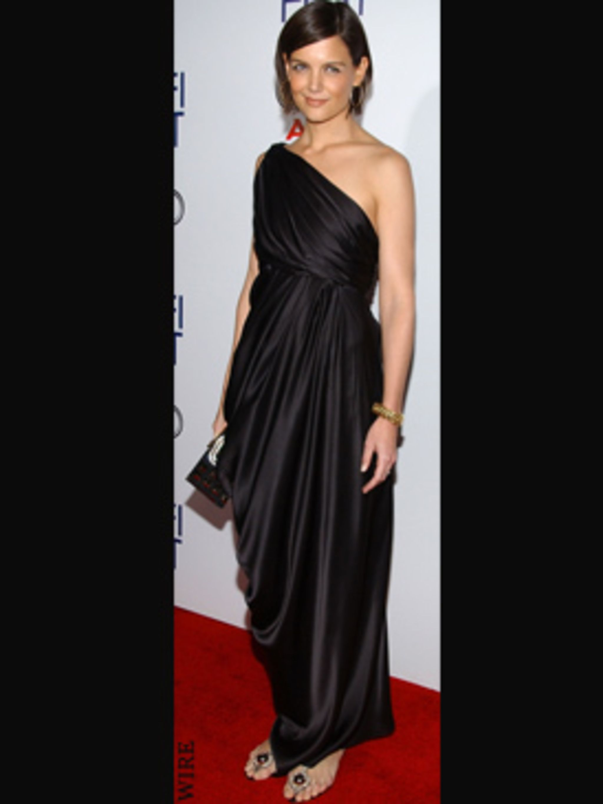 Communication on this topic: Katie Holmes Mixes Athletic and Evening Wear, katie-holmes-mixes-athletic-and-evening-wear/