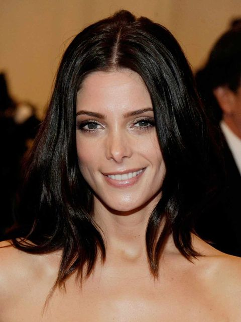<p>Ashley Greene with bronze eyes at the Met Ball 2012</p>