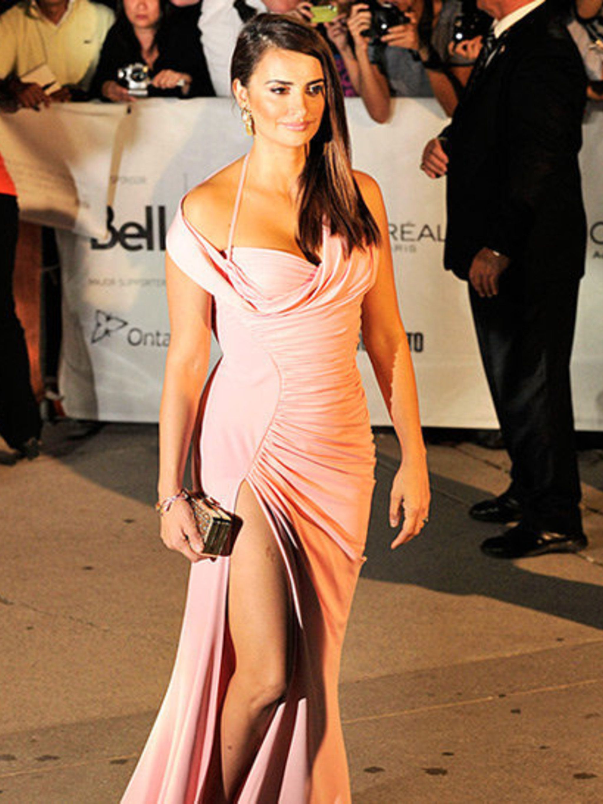 "<p>Penelope Cruz opted for a <a href=""http://www.elleuk.com/catwalk/designer-a-z/versace/autumn-winter-2012"">Versace</a> gown for the 'Twice Born' premiere at the Toronto Film Festival</p>"