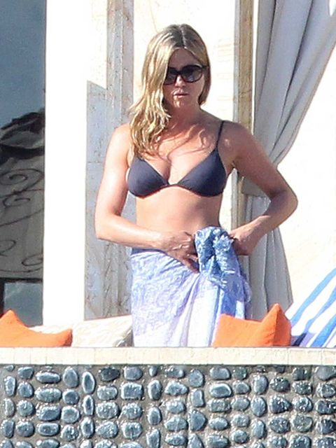 "<p><a href=""http://www.elleuk.com/star-style/celebrity-style-files/jennifer-aniston"">Jennifer Aniston</a> holidayed in Los Cabos, Mexico, with fiance Justin Theroux and ELLE cover star <a href=""http://www.elleuk.com/star-style/celebrity-style-files/emily-"