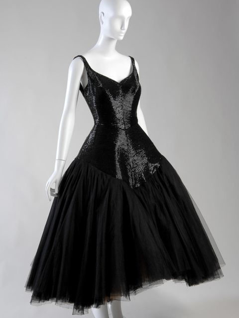 <p>'Infanta' gown by Charles James, 1952.</p>
